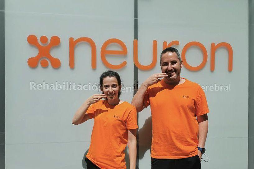 logopedas neuron gesto dia mundial de la afasia
